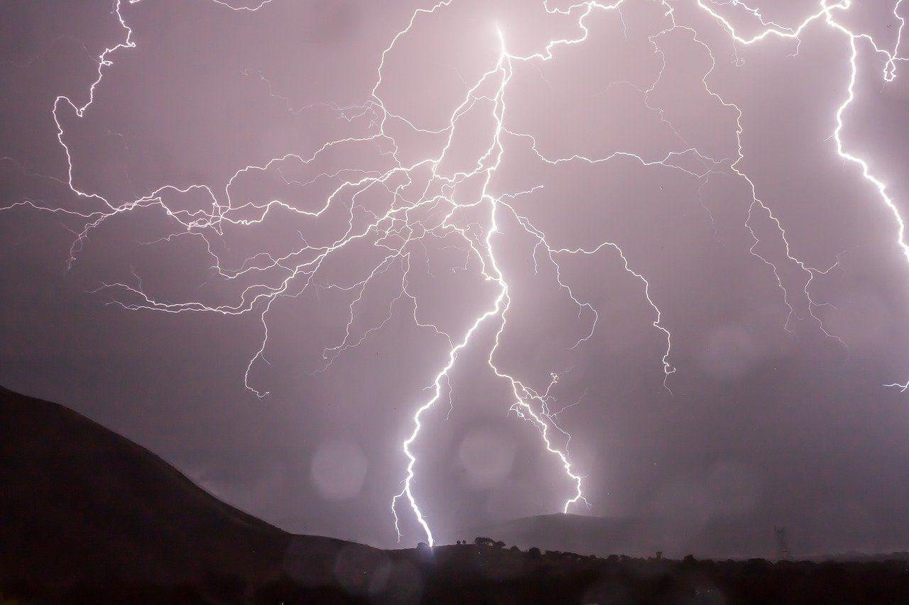lightning 399853 1280 351