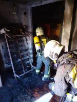 bomberos realizando labores de extinción